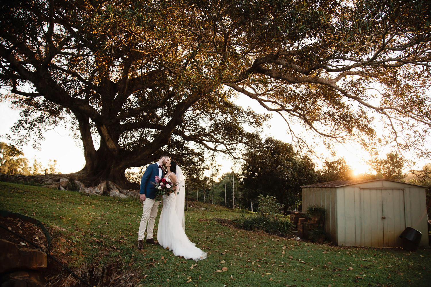 figtree-sunset-Brides-wedding-dress-Romantic-privateproperty-wedding-Byron-bay-QuinceandMulberryStudios