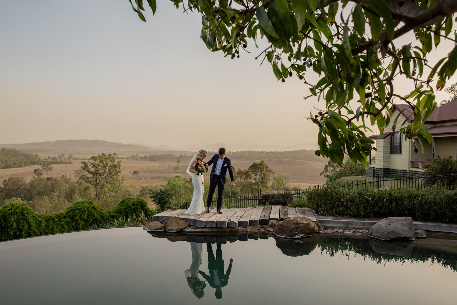 sunset-natural, fun, romantic-wedding-photography at Spicers-hiddenvale-QuinceandMulberryStudios
