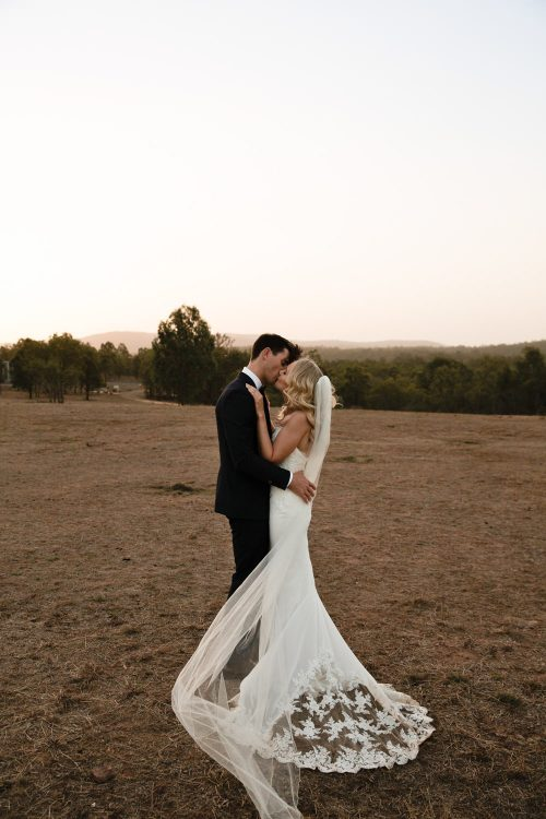 romantic, natural, fun-wedding-photography at Spicers-hiddenvale-QuinceandMulberryStudios